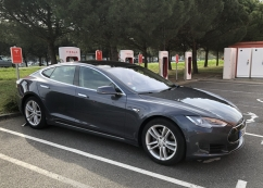Tesla Model  85 Autopilot Supercharger TBE