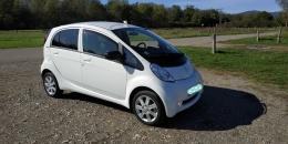 Peugeot ION Electrique Active blanche..Première-main..30300 km. Année 2017..Prix 9000
