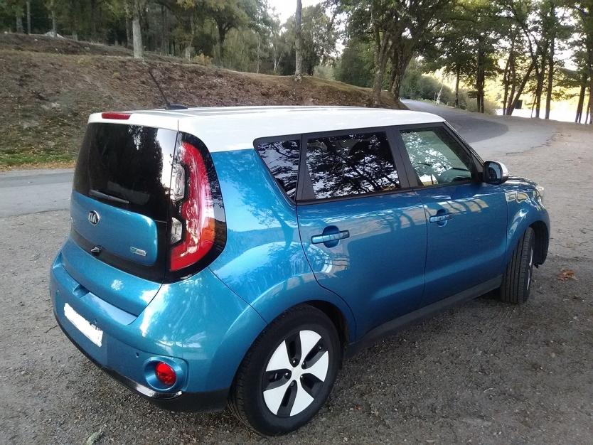 KIA SOUL EV electrique 27kW Bleu/Blanc ULTIMATE 71000kms  du 11/2014 garantie jusqu'au31/10/2021