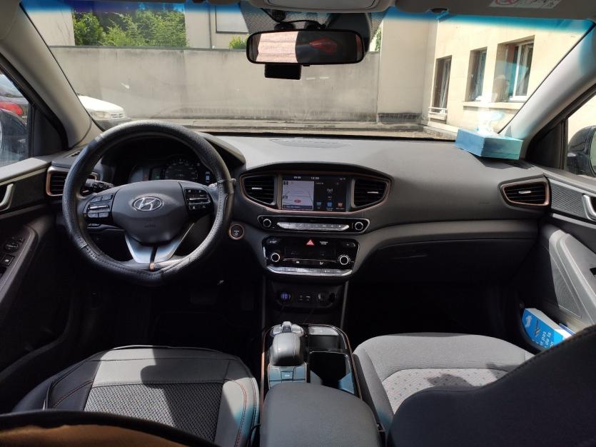 Hyundai IONIQ année 2017 noir 69'000km