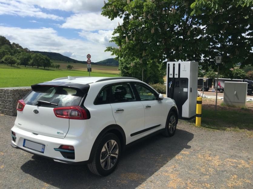 KIA e-Niro Blanc Nacré 64 kWh 204 ch