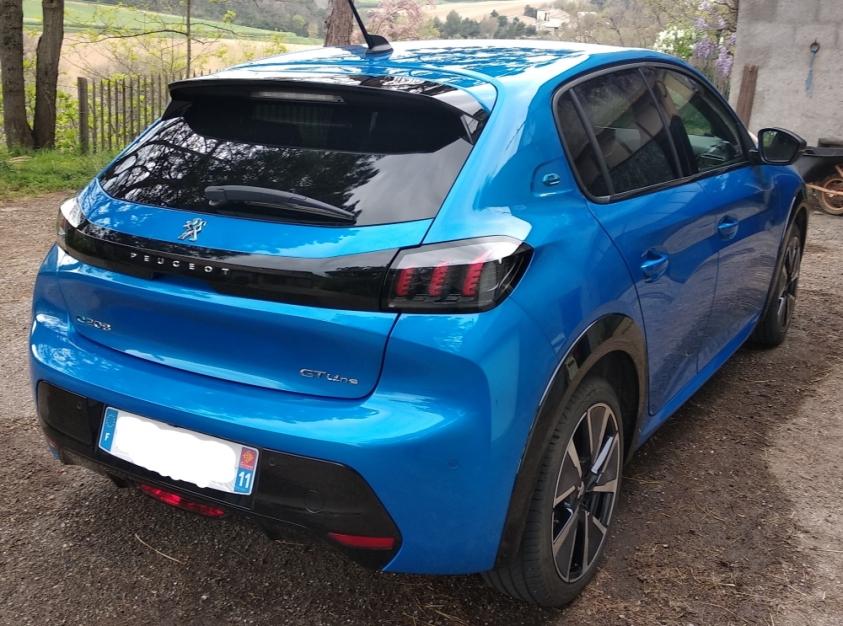 Peugeot e-208 GTLine