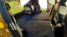 E-208 GT Jaune Faro, Options chargeur 11kW et, toit panoramique (Collaborateur PSA)