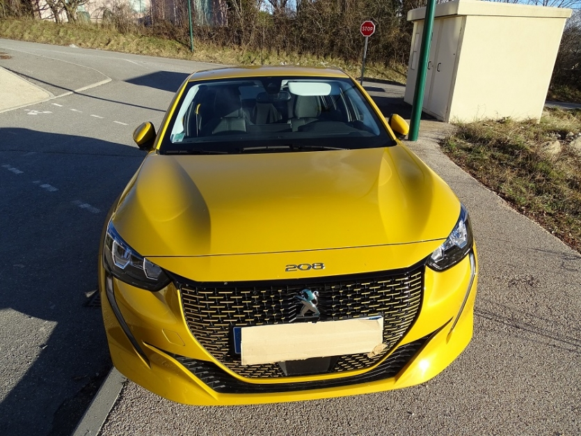 Peugeot e 208 Allure chargeur 11 KWh options GT Line