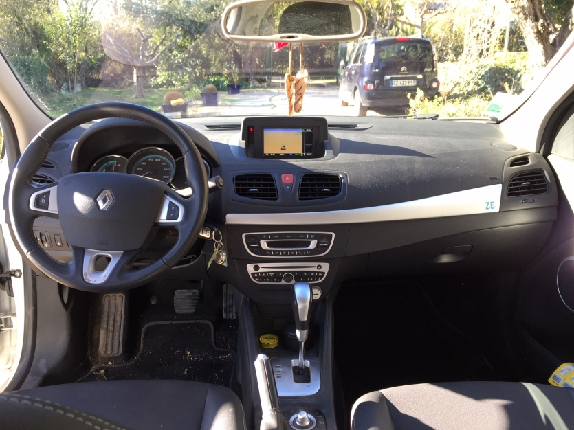 Renault FLUENCE dynamique, 2012, blanche