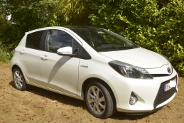 Toyota Yaris HYBRIDE STYLE 42.000 km (2014)