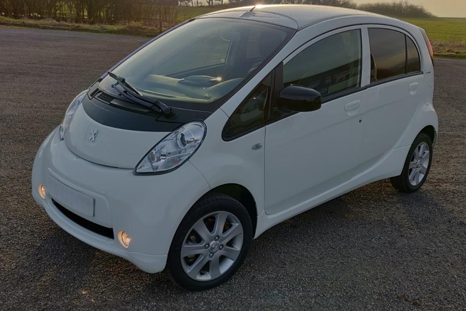 Peugeot ION janvier 2014 état neuf