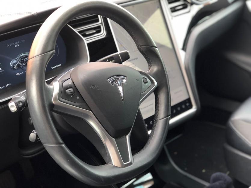 Tesla Model  85 Autopilot Supercharger