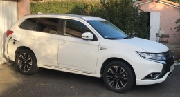 Mitsubishi Outlander PHEV finition INSTYLE