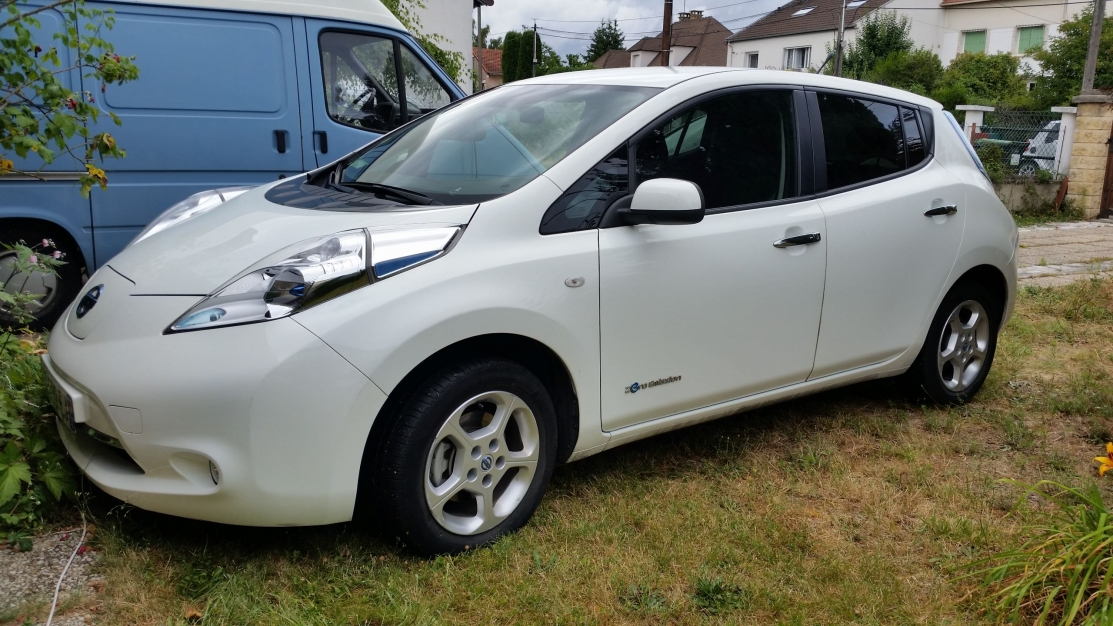 NISSAN LEAF ACENTA 24 KWh Batteries incluses